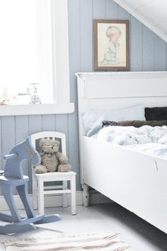 babyblue.quenalbertini: Cottage blue