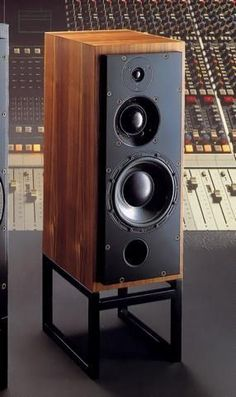 ATC SCM50A 1991 もっと見る Audiophile Speakers, Monitor Speakers, Hifi Stereo, Hifi Audio, Audio Speakers, Floor Speakers, Tower Speakers, High End Speakers, High End Audio