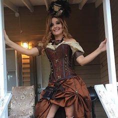 Goth Costume, Costume Dress, Costumes, Steampunk Skirt, Steampunk Fashion, Skirt Pattern Free, Victorian Blouse, Taffeta Skirt, Bustle Skirt