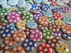50 x 2-Hole Printed Wooden Buttons - Round - 15mm - Dotty - Mixed Colour