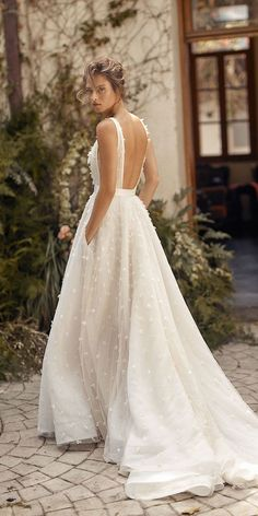30 Simple Wedding Dresses For Elegant Brides ❤ simple wedding dresses backles., 30 Simple Wedding Dresses For Elegant Brides ❤ simple wedding dresses backless bohemian country lihi hod Source by wed. Wedding Dress Trends, Black Wedding Dresses, Bridal Dresses, Bridesmaid Dresses, Wedding Ideas, Couture Wedding Dresses, Prom Dresses, Vintage Wedding Gowns, Wedding Dress Designers