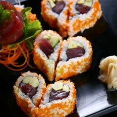 I'd so make these for Aaron, he loves sushi -- #Valentines #Sushi