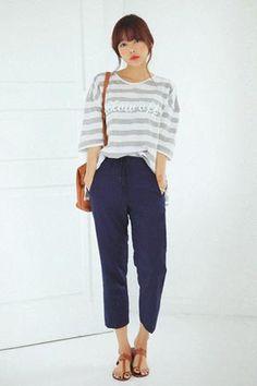 Today's Hot Pick :純色抽繩哈倫褲 http://fashionstylep.com/SFSELFAA0016405/stylenandatw/out 休閒款純色哈倫褲。 隨意搭配條紋T恤,穿起來更是時尚隨性。  - 純色基本款,簡潔休閒  - 寬鬆哈倫褲,隨性好穿。 休閒款抽繩哈倫褲,時尚姐妹們百搭每日款。