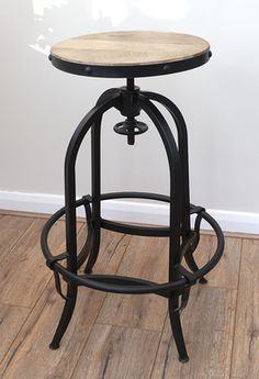 Stunning rustic Vintage style bar stool that will look great indoors or out in the garden. The seat can be ajusted in height from 63 cm to 86 cm. The item will be delivered fully assembled. Bar Stools Uk, Rustic Bar Stools, Vintage Bar Stools, Bar Stool Chairs, Antique Bar, Home And Garden Store, Chairs Online, Vintage Metal, Vintage Style