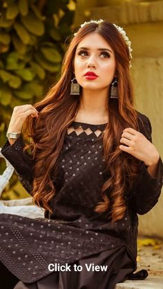 Tall Fashion Tips .Tall Fashion Tips Neck Designs For Suits, Sleeves Designs For Dresses, Neckline Designs, Dress Neck Designs, Stylish Dresses For Girls, Stylish Girls Photos, Simple Dresses, Beautiful Dresses, Pakistani Fashion Party Wear