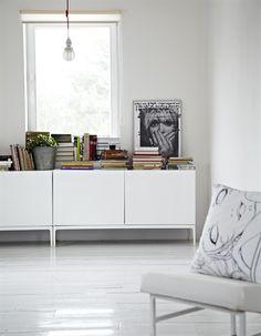 A minimal living room