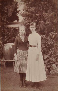 Victorian Prudes: Photo