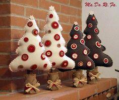 Natal com feltro! Christmas Makes, Noel Christmas, Homemade Christmas, All Things Christmas, Beautiful Christmas, Christmas Projects, Holiday Crafts, Felt Christmas Ornaments, Christmas Sewing
