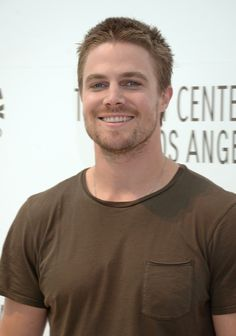 Stephen Amell (Oliver Queen/Green Arrow) from CW's Arrow. Oliver Queen Arrow, Stephen Amell Arrow, Team Arrow, Supergirl And Flash, Green Arrow, John Barrowman, Grant Gustin, Celebs, Celebrities