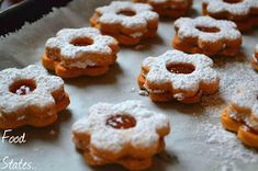 Μπισκοτάκια με μαρμελάδα - Food States Greek Recipes, Vegan Recipes, Cookie Recipes, Dessert Recipes, Greek Sweets, Vegan Sweets, Doughnut, Deserts, Muffin