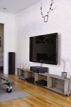Crates for entertainment center cheap. decorate creatively with old wooden crates Wooden Crate Furniture, Old Wooden Crates, Diy Furniture, Diy Entertainment Center, Home Projects, Home Remodeling, Diy Home Decor, New Homes, Trust