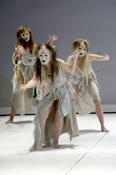 Traditional Greek chorus masks by Thanos Vovolis. The chorus would often wear a uniform mask to show that they are representing one person. In MEDEA the chorus would be Medea's thoughts coming to life. Shakespeare, Greek Chorus, Greek Plays, Ancient Greek Theatre, Mime, Greek Tragedy, Greek Culture, Theatre Costumes, Stage Design
