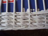 Pletení z papíru vzoreček Newspaper Paper, Newspaper Basket, Newspaper Crafts, Origami Box Tutorial, Basket Weaving Patterns, Paper Wall Art, Paper Weaving, Upcycled Crafts, Papercrete
