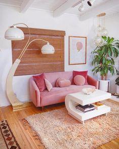 34 Must Have Pink Interior Design Ideas Home Decorations Warm Home Decor, Retro Home Decor, My New Room, Sofa Design, Bed Cushion Design, Design Design, Design Homes, Home Decor Inspiration, Decor Ideas