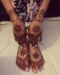 Simple bridal henna for my beautiful bride from last night.  #henna #asianbridal #indianbride #pakistanibride #mendhiartist #mendhi #bridal #allthingsbridal #thehennacircle www.thehennacircle.com
