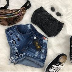 Simple Summer to Spring Outfits to Try in 2019 – Prettyinso Cute Summer Outfits, Cute Casual Outfits, Simple Outfits, Stylish Outfits, Teenage Outfits, Teen Fashion Outfits, Outfits For Teens, Tumblr Outfits, Swag Outfits