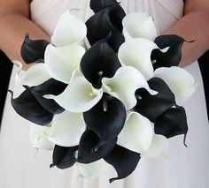 Si te encanta el negro y lo quieres incluír en tu boda, o si te decidiste por un