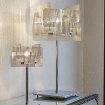 Lámpara de mesa de diseño de metal