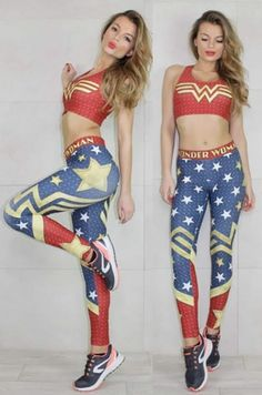 Športové legíny z kolekcie Wonder Woman. Ideálne kombinovateľné s lambádou Doma spolu tvoria skvelý outfit, v ktorom sa stanete výnimočná najmä vo fitness centre.