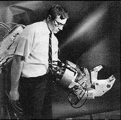 Man Amplifier. Exo-skeleton 1966-69.