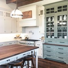6 Fair ideas: Kitchen Remodel Backsplash Home Decor kitchen remodel countertops small spaces.Farmhouse Kitchen Remodel To Get farmhouse kitchen remodel to get. Apartment Kitchen, Home Decor Kitchen, New Kitchen, Home Kitchens, Kitchen Ideas, Green Kitchen, Cheap Kitchen, Kitchen Furniture, Vintage Kitchen