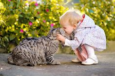 15+ Adorable Photos of Cat Loving Kids -