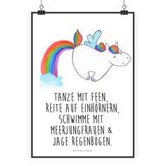 """Poster DIN A2 Einhorn Pegasus aus Papier 160 Gramm weiß - Das Original von Mr. & Mrs. Panda. Jedes wunderschöne Poster aus dem Hause Mr. & Mrs. Panda ist mit Liebe handgezeichnet und entworfen. Wir liefern es sicher und schnell im Format DIN A2 zu dir nach Hause. Über unser Motiv Einhorn Pegasus Ganz nach dem Motto """"Einen Regenbogen nennt man in Einhornkreisen auch Einhornautobahn"""".Das wunderbare Regenbogen Einhorn von Mr. & Mrs. Panda Verwendete Materialien Es handelt sich um sehr…"""