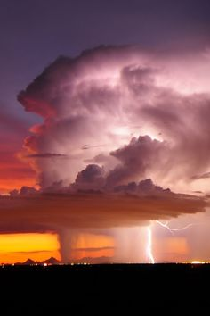 tect0nic:  Lightning over Tuscon, Arizona, USA, by John Ferroy via 500px.