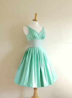 i adore the color, the cut. everything about this dress