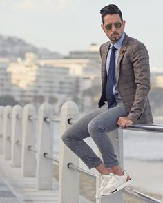 Been hustling hard since early this morning! It's a suit and sneakers kinda day with these 247 LUXE #LifeIn247 @newbalanceza @nb_Lifestyle @newbalance (at Sea Point Promenade)