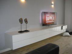 Collectie design meubel: ALPHA DRESSOIRS en TV-MEUBELEN, ALPHA 320 zwevend tv-meubel hoogglans wit Happy New Home, Tv Decor, Home Decor, Tv Unit Design, Tv Storage, Tvs, Home Interior Design, Living Room Designs, New Homes