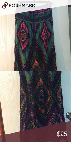 """Flying Tomato strapless dress size large Excellent condition.  Only hung to dry. Size large.  I am 5'7"""" and this was the perfect length for a maxi. Flying Tomato Dresses Maxi"""