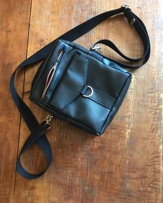 Anne L. (@ninatelier_couture) • Photos et vidéos Instagram Photos, Bags, Instagram, Fashion, Sewing, Locs, Color, Handbags, Moda