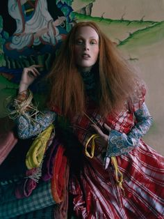 Karen Elson por Tim Walker para Vogue UK Maio 2015 [Editorial]