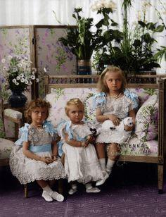 Grand Duchesses Olga Nikolaevna (1895-1918), Tatiana Nikolaevna (1897-1918) and Maria Nikolaevna (1899-1918) Romanova of Russia in 1900. children of Aleksandra and Csar Nicholas II
