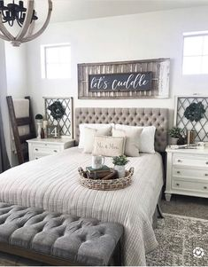 52 How to decor a master bedroom that is cozy and cute - Room Design Bedroom Setup, Home Decor Bedroom, Home Living Room, Bedroom Ideas, Dream Bedroom, Farmhouse Master Bedroom, Master Bedroom Makeover, Farmhouse Bedroom Furniture, Master Room