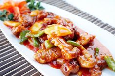 Pork with peaches in soy sauce with spices – Chicken Recipes Asian Chicken Recipes, Meat Recipes, Cooking Recipes, Sweet N Sour Chicken, Bulgarian Recipes, Chicken Spices, Food Preparation, Good Food, Pork