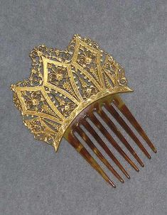 "Bronze and tortoiseshell ceremonial comb, ""Peigne d'apparat,"" on Antiquites Catalog Head Jewelry, Jewelry Art, Antique Jewelry, Vintage Jewelry, Vintage Hair Accessories, Vintage Hair Combs, Jewelry Accessories, Charles X, Royal Jewels"