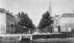 Delft: De Nieuwe Langedijk gedempt in 1899 dus hier nog in beeld voor dat jaartal Delft, Gravure, Holland, Street View, City, Pictures, Painting, Outdoor, Nostalgia