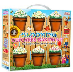 Silicone flowerpots for cupcakes...adorable!