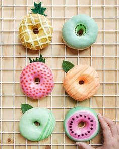 This collection of donuts gives you ideas for donut recipes. - This collection of donuts gives you ideas for donut recipes. Try … – food – - Donuts Beignets, Donuts Donuts, Fried Donuts, Cute Donuts, Homade Donuts, Powdered Donuts, Delicious Donuts, Yummy Food, Healthy Donuts