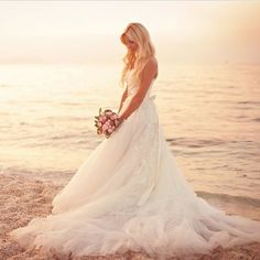 beach wedding pose::