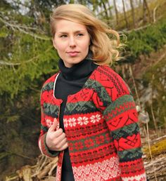 Swedish Kling Kollektion, design Delsbotwist Sweater Design, Knit Patterns, Mittens, Men Sweater, Knitting, Crochet, Sweaters, Crafts, Folklore