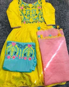 Punjabi Suits Designer Boutique, Boutique Suits, Indian Designer Suits, Designer Salwar Suits, Indian Suits, Embroidery Suits Punjabi, Hand Embroidery Dress, Embroidery Suits Design, Punjabi Salwar Suits