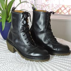 6d8181f92cd1 Dr. Martens black combat boots   size US 7 UK 5   rare classic originals doc  marten ankle boots   made in England   90s punk goth grunge