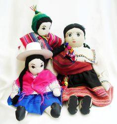 BOLIVIA.  Family of three hand made dolls. www.worldcostumedolls.com