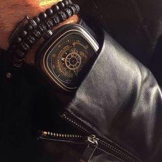 Black and Gold mood @onyxdesigner  #sevenfriday #watch #watches #timepiece #billionaire #billionaire #billionairetoys #instawatch #dailywatch #wristshot #watchporn #wristporn #womw #rkoi #luxurywatch #baselworld #richardmille #patekphilippe #hublot #audemarspiguet #rolex #sihh #baselworld #instawatch #instawatches #designwatch #watchesofinstagram #horophile #wruw #watchnerd by sevenfriday_italy
