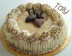 """TORTA """"CUORI TRA LE NUVOLE"""" #Pandispagna al #cacao farcito con crema al #caffè e #mascarpone.Il tutto avvolto da soffici nuvole di #panna montata . Per un gustoso dessert di #S.Valentino"""