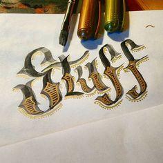 Stuff #art #graphic #letras #lettering #letters #desenho #dessin #dibujo #handlettering #handmadetype #calligraphy #handmade #handmadefont #typographyinspired #typeoftheday #typography #type #artoftheday #tracing #sketch #caligrafia #graphicdesign #typedesign #instatype #design #stuff