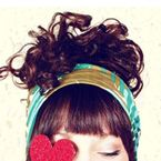 Love this blog! Has so much about fashion, hair, cooking, decor everything! super cute!